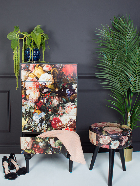 miafleur-floral-romance-four-drawer-cabinet-360-floral-romance-stool-102-faux-areca-palm-tree-128